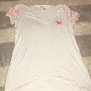 White T-shirt Pink VS Neon pink accents